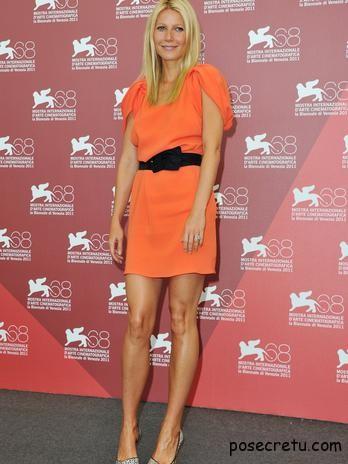 Гвинет Пэлтроу в платье