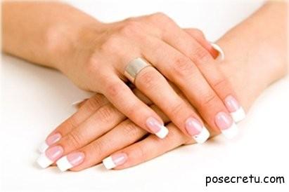 Какой материал для наращивания ногтей лучше - гель или акрил