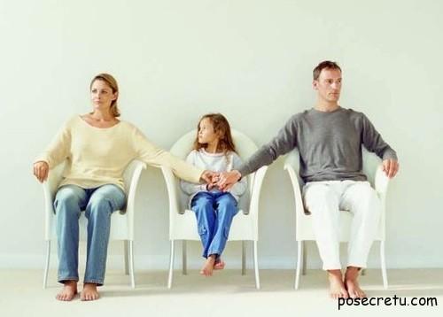 Как деликатно рассказать ребенку о предстоящем разводе