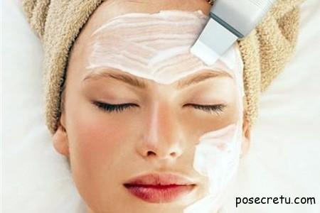 Процесс глубокого очищения лица