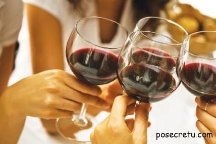 в браке девушки пьют чаще