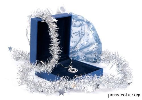 как выбрать ювелирные украшения в подарок