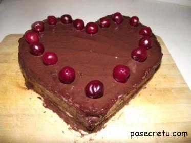 вишневый торт сердце