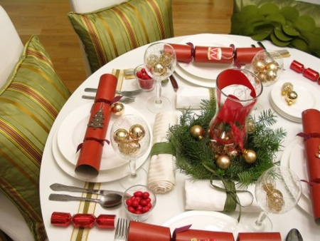 Новогодний украшенный стол 2012