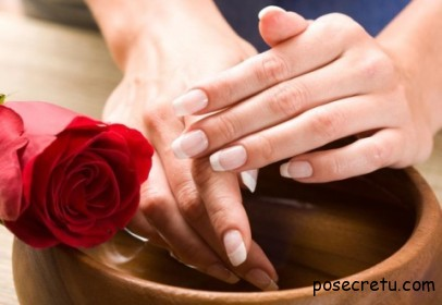 Восстанавливающая ванночка для ногтей