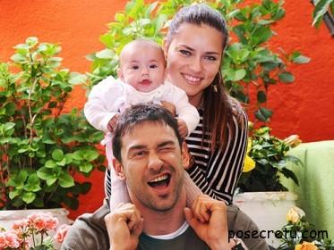 Адриана Лима с мужем и ребенком