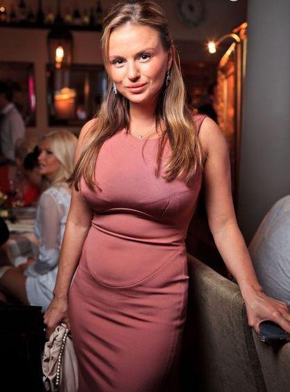 Анна Семенович беременна