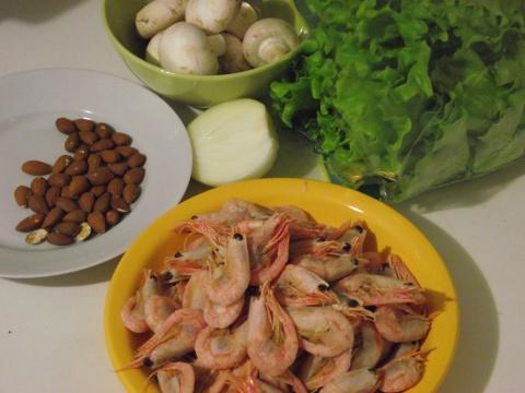 Ингредиенты для салата из креветок с грибами
